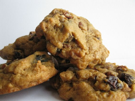 A soft delicious cookie originating in Newfoundland. Lassy comes from the word molasses, and mog means a small cake.  Lassy Mogs are packed with pecans, dates and raisins.