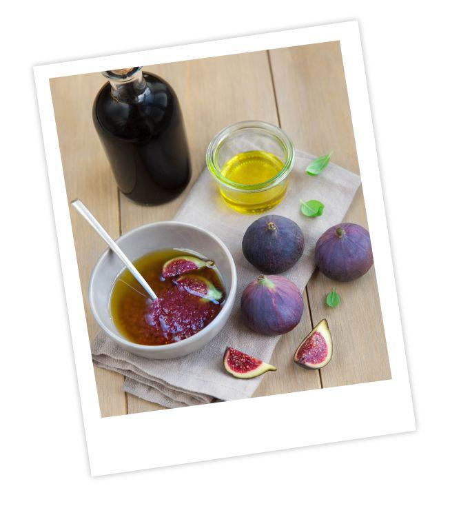 Délayer 1 cuillère à soupe de confiture de figues dans 1 cuillère à soupe de vinaigre balsamique blanc. Emulsionner avec 6 cuillères à soupe d'huile d'olive. Ajouter quelques morceaux de figues fraiches. Assaisonner à votre convenance. Produits associés Jeunes Pousses Bi-pack 2x125g