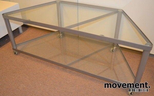 TV-bord på hjul i metall/glass, 113cm bredde, pent brukt bilde 2