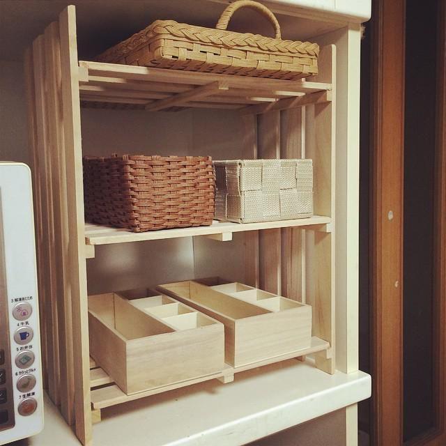 100均の「すのこ」がキッチンに大活躍♪DIYで収納棚を増やそう ... 組み立てると棚になる