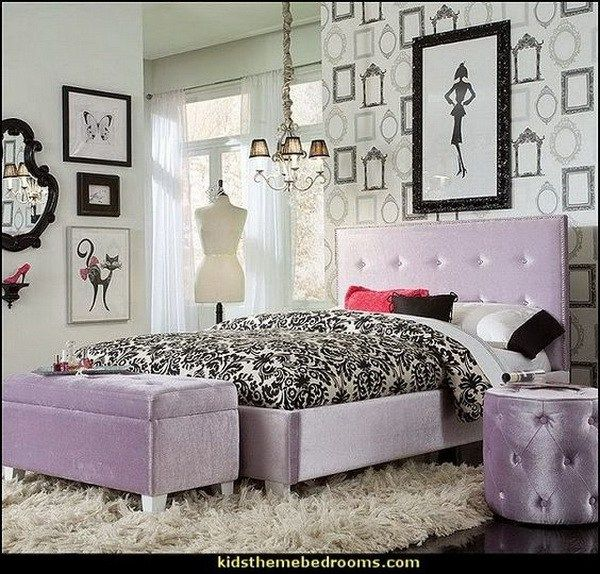 Purple and black themed bedroom design for teenage girls. Fashionista decorating style.