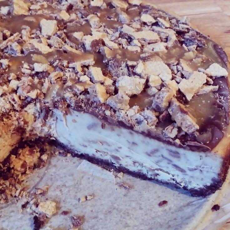 Coffee Crisp Caramel Cheesecake