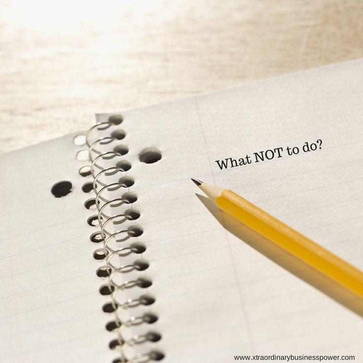 Ikke glem å kommunisere de uskrevne reglene.  Mange bedrifter gjør en god jobb med å sikre at de nyansatte vet hva de skriftlige reglene i organisasjonen er. For eksempel, firmaets policy , verdier , sikkerhetsprosedyrer etc. Men hvor godt klarer din bedrift å kommuniserer de uskrevne reglene?