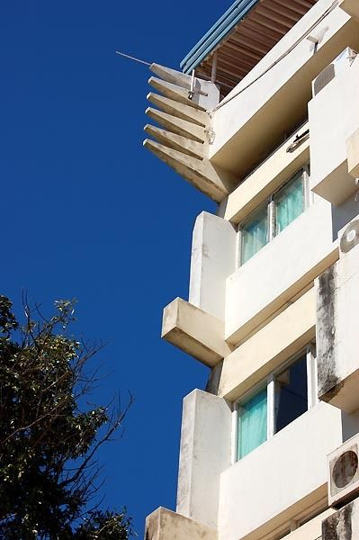 Pancho Guedes: Prometheus apartamientos, Maputo, 1951