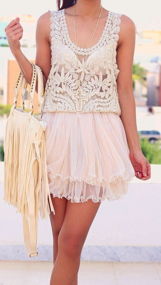 Lace & tulle......love everything about this... it just needs some turquoise :)
