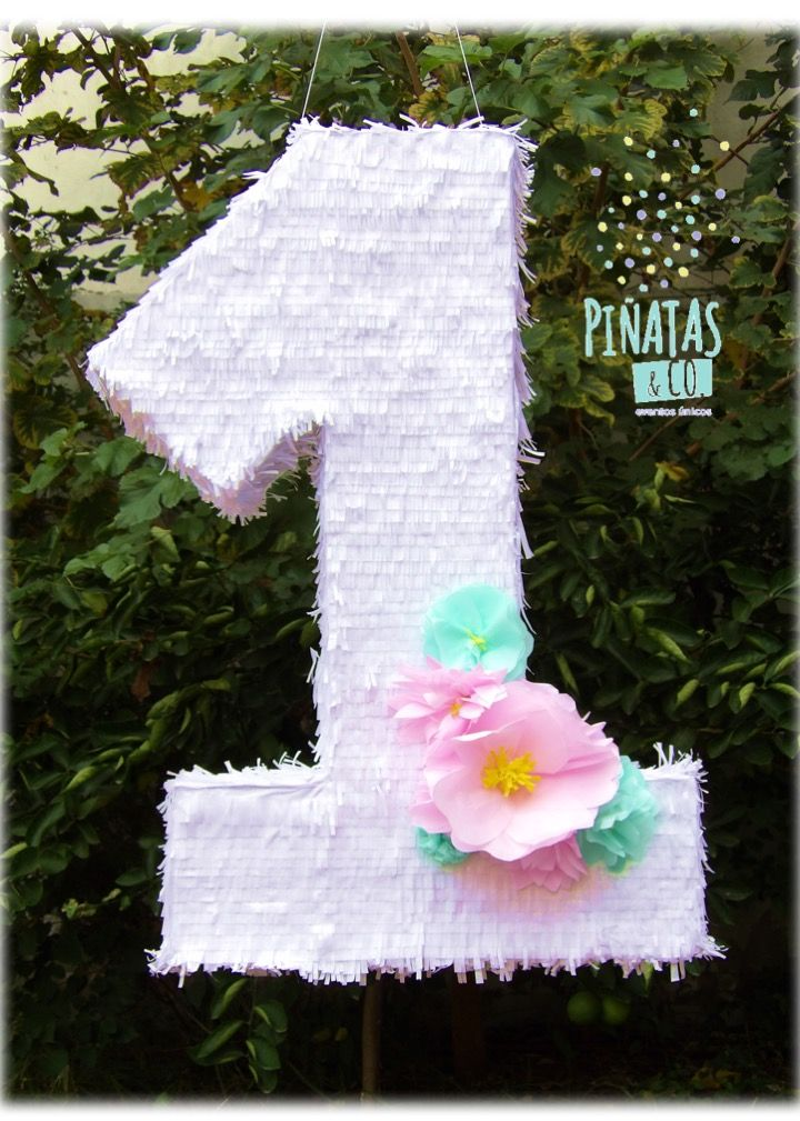 Piñata Número 1 con Bouquet de Flores // Number One Pinata with Flower Bouquet