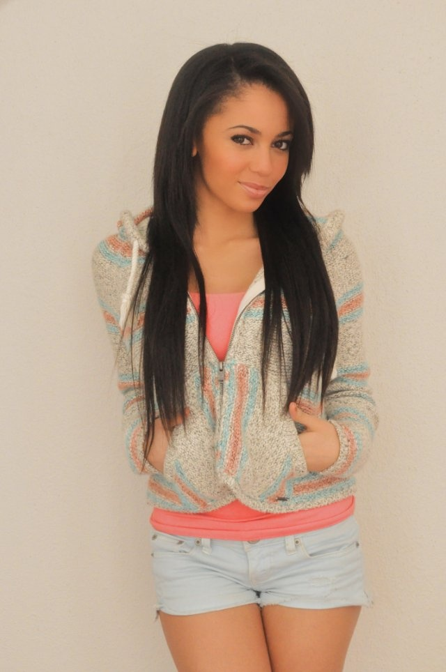 Love Vanessa Morgan!My babysitters a vampire is my fav show!(must watch on Disney!):)