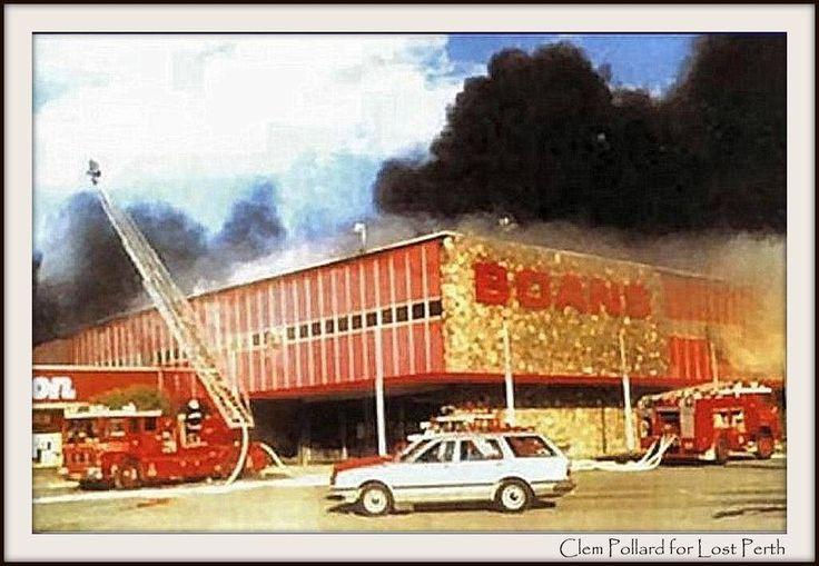 Boans Morley burns down, 1986
