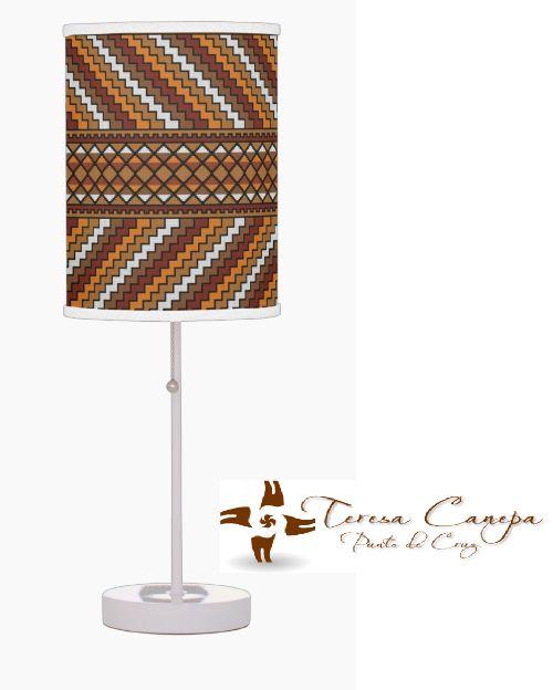 ✄ Pantalla de Lampara bordada a Punto de Cruz..   Tu Eliges El Diseño y Las Medidas !!!... Yo Te Hago el Patrón ! http://puntocruzandino.weebly.com/
