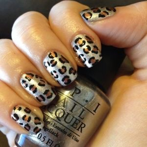 i would love to do this on my nails! too bad i am not even close to be talented enought! lol:)