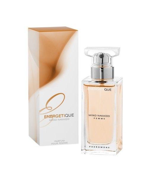 NAZWA: Damskie perfumy z feromonami ENERGETIQUE  FIRMA: Miiko Nakaido  POJEMNOŚĆ: 50ml  ZAPACH:      Energetique Pomarańczowy    Perfumy Miiko Nakaido stworzone są dla osób chcących podkreślić swoją atrakcyjność. Feromony zawarte w perfumach są bezwonne lecz posiadają szczególne właściwości    Skład zapachów:  Energetique – Nuta głowy – narcyz, konwalia, drzewo palmowe Nuta serca – frezja, róża, gardenia Nuta bazy – czarna porzeczka, piżmo, mech dębowy