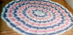 This blocks crochet afghan is a also a great choice if you need a break from making granny projects. This is made in one piece so no more sewing, for once.