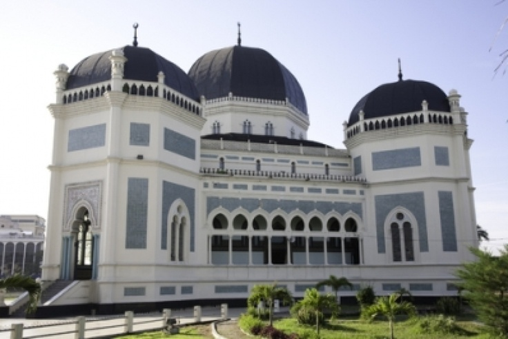 Masjid raya indonesia beautiful mosques from around the for Beautiful homes com