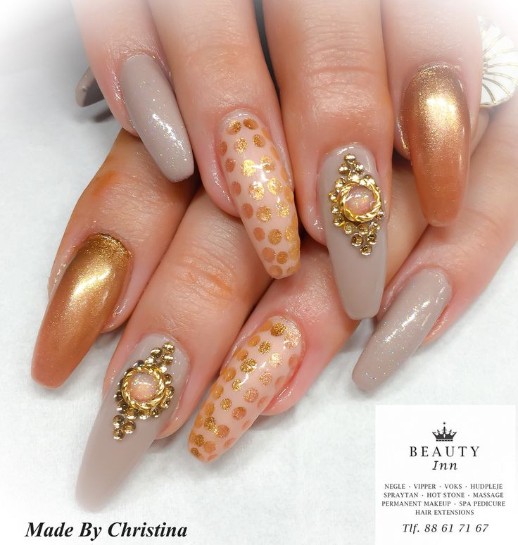#nails #naildiva #nailtech #cnd #bling #brisa #gel #glitter #girls #cndworld #CndShellac #shellac #beauty #diamonds #design #diva #nailmania #icgroup #skønhedsklinik  #beauty.inn #88617167