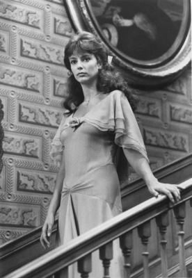 Rachel Ward descends the staircase in one of the most memorable scenes from the miniseries 'The Thorn Birds'