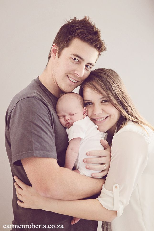 How beautiful is this family!! Adam's baby shoot. www.carmen-roberts.com