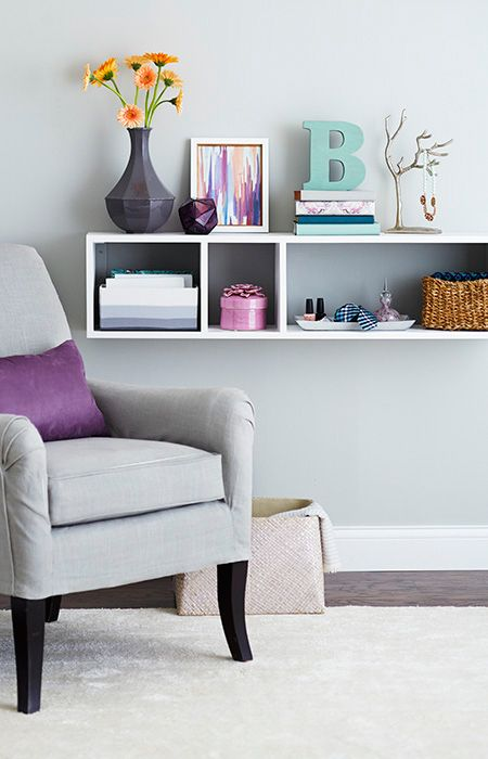 This easy-to-build wall shelf can be used for books or a creative place for a flat-panel TV.