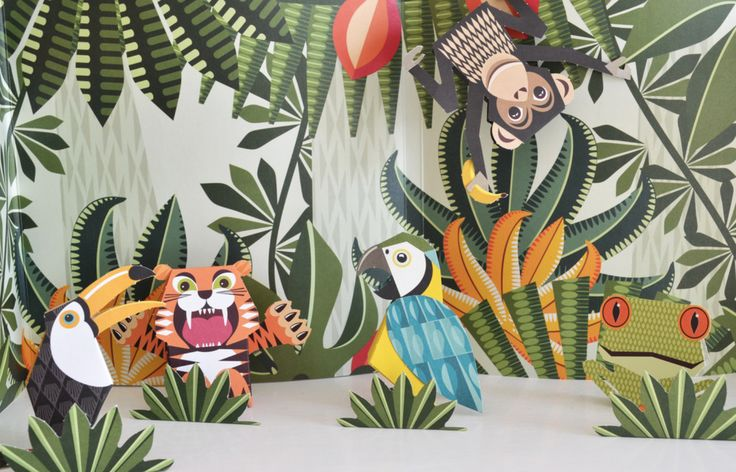 Explore the jungle and learn about wild animals that live there, with this exciting book by Mibo. Includes 5 perforated pop out animals to make into 3D figures
