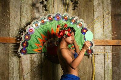 Un nuevo paraíso: las ticunas transgénero del Amazonas colombiano. Nelson Morales   Vice, 2016-02-26 http://www.vice.com/es_mx/read/un-nuevo-paraiso-las-ticunas-transgenero-del-amazonas-colombiano