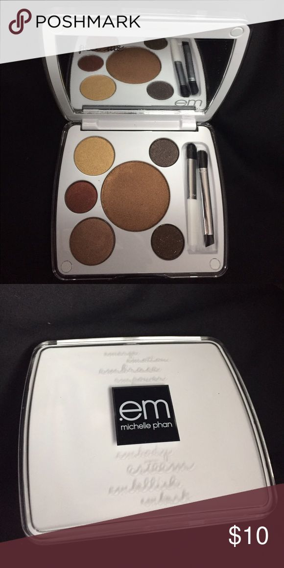 NEW unused Michelle Pham 6 color eyeshadow pallet New never used eye shadow pallet 6 shades and 2 applicator brushes included. Great for your purse or when on travel. Box not included. michelle pham Makeup Eyeshadow