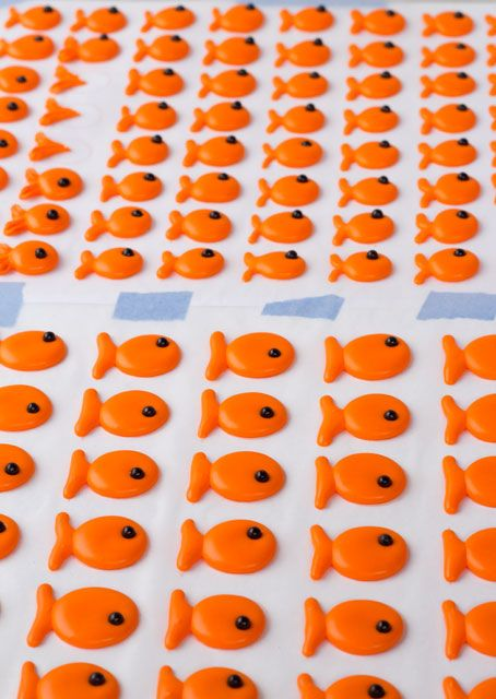 Goldfish Royal Icing Transfers and free template   Great for cupcake and cookie decorations