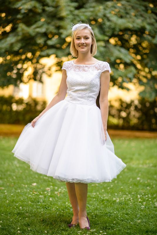 Krátké s tylovou sukní