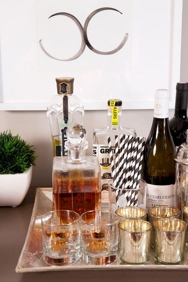 Awesome 60 Simple Apartment Bar Cart Ideas on A Budget https://homstuff.com/2017/08/25/60-simple-apartment-bar-cart-ideas-budget/