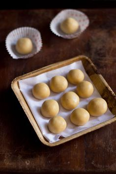 doodh peda or milk peda - quick peda made in the microwave oven. a 5 minute step by step recipe.