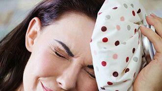 Autsch! Was hilft gegen Kater-Stimmung? Wir haben 10 Tipps gegen Schmerz und Übelkeit am Morgen nach einer Party.