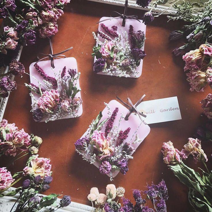 """1,600 Likes, 20 Comments - 畑野ひろ子 モデル/フラワーライフスタイルプロデューサー (@hiroko_hatano_) on Instagram: """"3月8日 ミモザの日にちなんで。。。 #willgarden #flower #flowers #dryflower #candle #サシェ#life #lifestyle #sachet"""""""