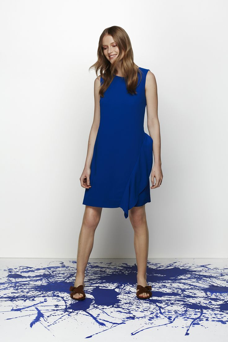 Blue doesn't have to be boring – this dress makes a stylish statement.