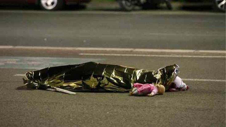 Wieder hat der radikale Islam in Europa zugeschlagen. Wieder sind unschuldige Menschen gestorben, 84 an der Zahl. Frankreich weint, Europa und die …