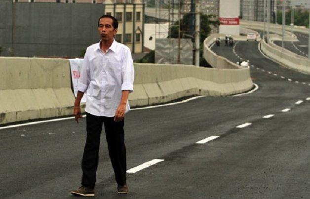 Presiden Jokowi ke Bandarlampung Pantau Progres Jalan Tol : Presiden Joko Widodo dijadwalkan memantau progres jalan tol ruas Bakauheni-Terbanggi Besar di Desa Sabahbalau Lampung Selatan.