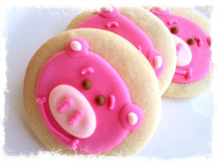 Pig cookies by www.rockpapersugar.com