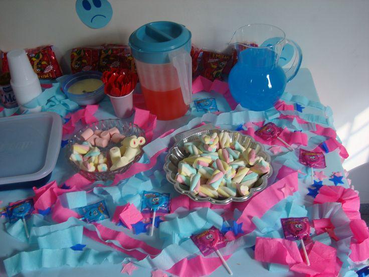 festa infantil barata e simples mesa de doces simples para festa infantil