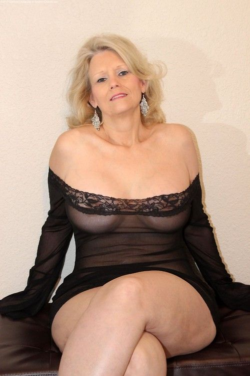 Nude Mature Blog 79