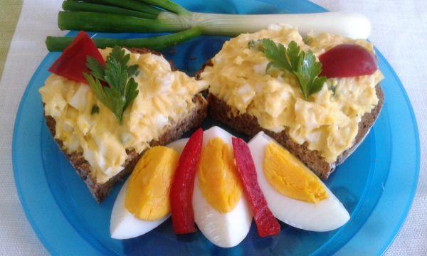 Vajíčková nátierka - Výborná, chutná desiata, či olovrant:))