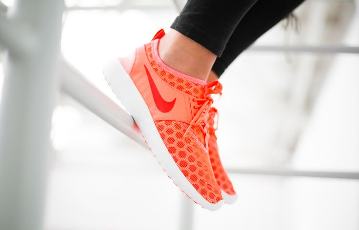 """Girls, the Nike WMNS Juvenate """"Hot Punch"""" is available at our shop now! """"Hot Punch"""" for hot summer days. The leightweight sneaker comes with a new innovation: the Nike """"fold-and-go"""" technology. The Juvenate can be easily folded and fits in almost every purse! Get the """"Hot Punch"""" at 43einhalb.com now!  EU 36,5 - 41 