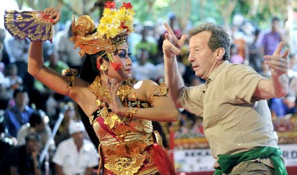 Joged Bumbung dance is usually in the title for a wedding celebration or other social ceremonies in Bali. This dance tells the story of a fe...