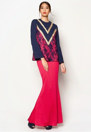 Art Deco Adette Baju Kurung from Jovian Mandagie for Zalora in Pink and Navy Radiate elegance and sophistication with the Jovian collection - this number encapsulates the beauty of traditional wear perfectly. The stunning baju kurung features beautiful metallic gold accents and grid motif with lovely lace overlay on a gentle ... #bajukurung #bajukurungmoden