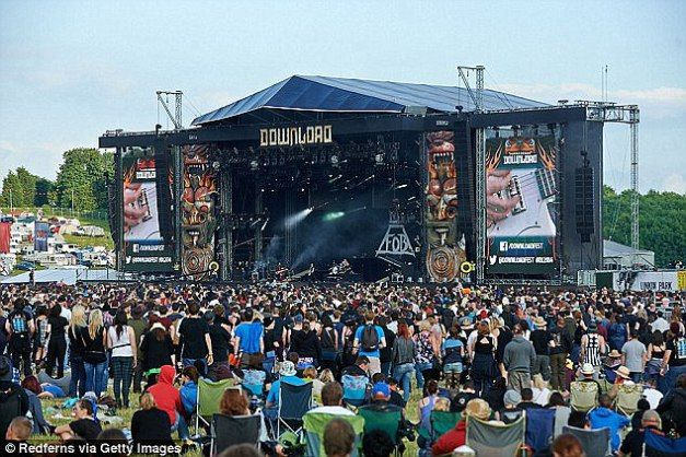 DOWNLOAD FESTIVAL 2015: Chaos As Cashless System Crashes