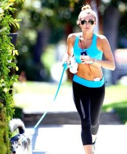Miley Cyrus, jogging, workout clothes, fitness clothes, gym clothes.