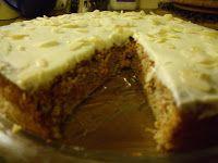 Kake:  4 egg  10 dråper vaniljeessens  4-5 ss sukrin (alt etter hvor søt man vil ha den, smak på røra underveis)...