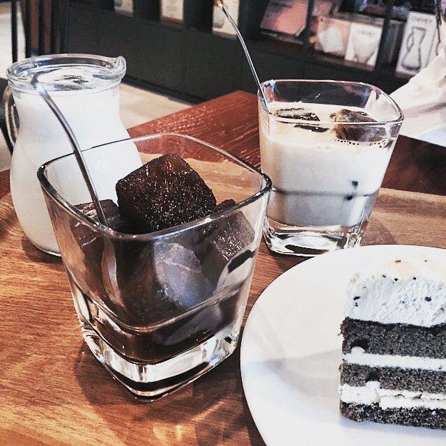: 젤조아♡ 젤조아하는시간! #커피 타임 정말정말맛있다 홀짝홀짝 #큐브라떼