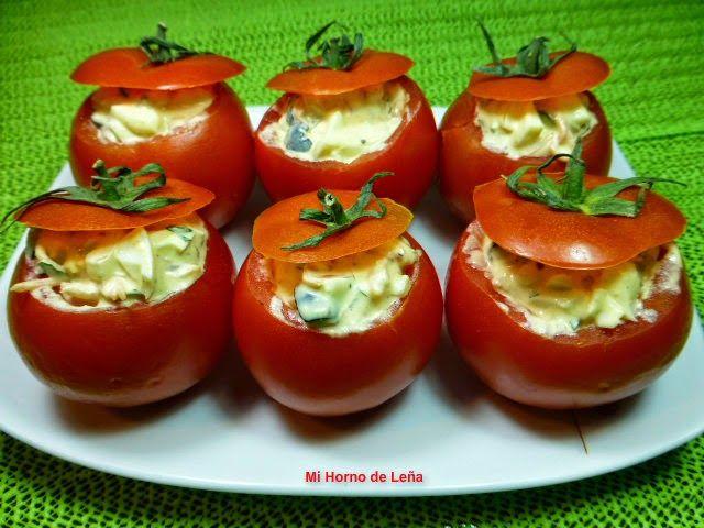 TOMATES RELLENOS. Una ensalada bien rica, original y además bonita!! ;) ¿Te la vas a perder?