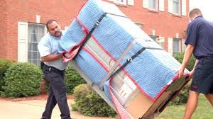 This reliable moving company has been in operation for more than two decades now. Their professional furniture movers provides quality relocation services for home and office clients. Click to get a quick quote or check out reviews for this office mover.