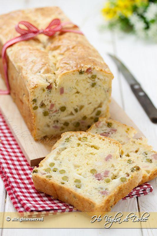 Plumcake salato con prosciutto cotto e formaggio morbidissimo. Ricetta facile, veloce e svuota-frigo. Perfetto per buffet, pic-nic, cena ed aperitivi.