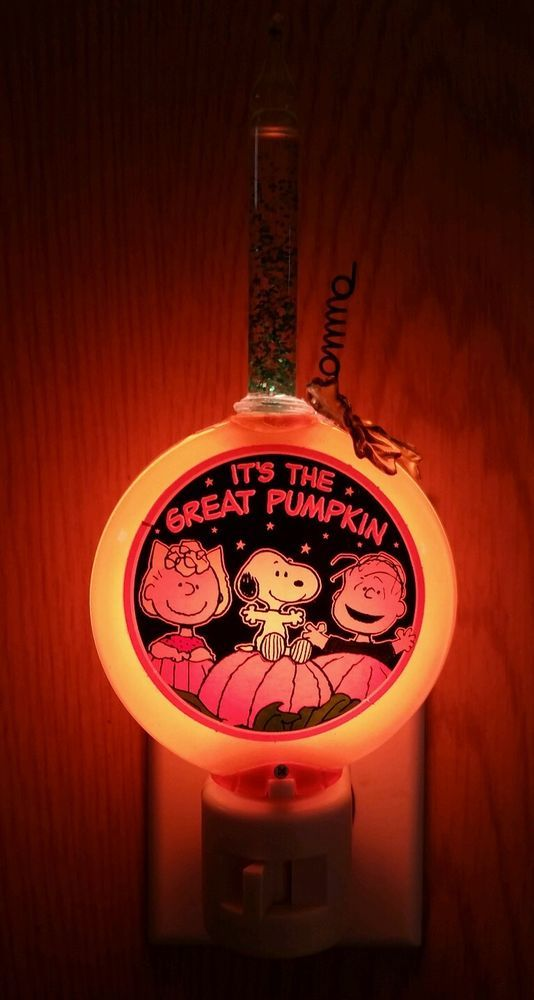 Peanuts Snoopy Bubble Night Light It S The Great Pumpkin