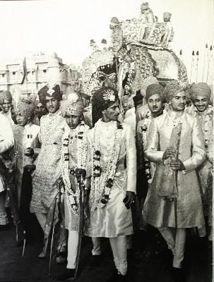 This procession of Maharajas took place in Jaipur to commerate the arrival of the Maharaja of Baria, 1948.