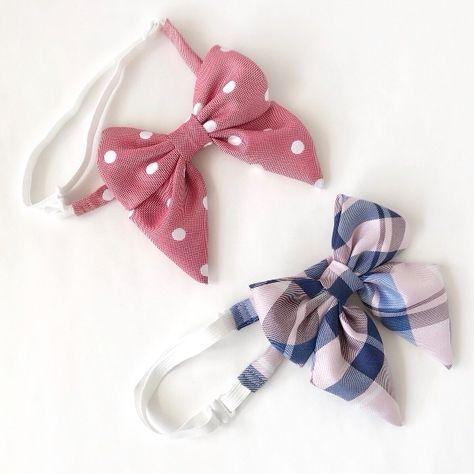 卒園式や入学式での女のお子様の正装には欠かせないリボンネクタイです。ライトピンクとブルーのチェック柄リボンが晴れの日の襟元を華やかに演出してくれます。首まわりはゴム紐とアジャスターを使用し、最小32cmから最大44cmまで長さを調節することができます。●カラー:ピンク×ブルーチェック●サイズ:リボン本体 縦12.5cm横11cm●素材:ポリエステル、ゴム、ホック、エイトカン●注意事項:型崩れ防止の為、お洗濯はお控えください。モニターと実物では色が異なって見える場合があります。ひとつひとつ手作りしていますので、柄の出方や縫い目等に個体差があります。手作り品の良さとしてご理解いただけると幸いです。●作家名:aianz#女の子 #リボンネクタイ #子供服 #ファッション雑貨 #フォーマル #卒業式 #入学式 #結婚式 #発表会 #ブラウス #リボンタイ #制服風 #つけ襟 #卒園式 #おしゃれ #かわいい #アジャスター #サイズ調節 #ハンドメイド…